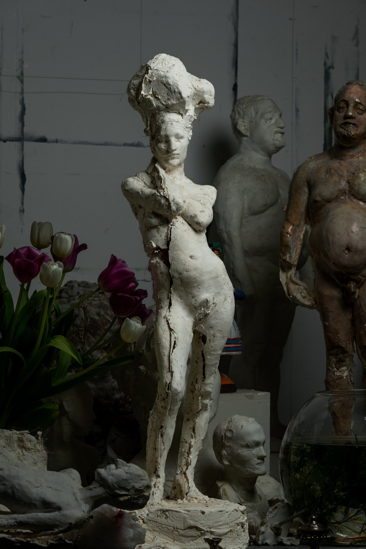 Florence, plaster, 83 cm height, 2014 (photo © Enguerran Ouvray)